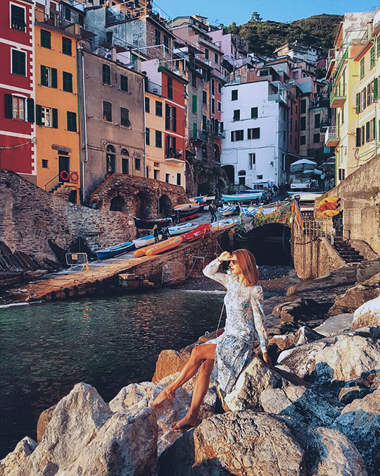 riomaggiore-at-sunset-cinque-terre-day-trip-travel-guide-thankfifi-scottish-travel-blog-5