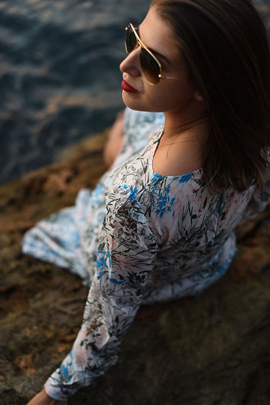 reiss-nyla-midi-dress-riomaggiore-at-sunset-thankfifi-scottish-fashion-blog-17