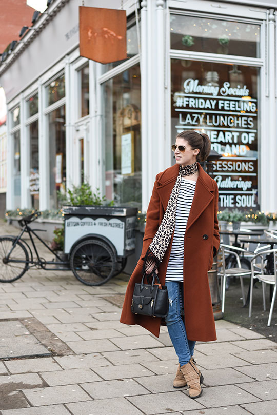 jigsaw-magdalena-coat-henri-bendel-black-rivington-tote-thankfifi-scottish-fashion-blog-4