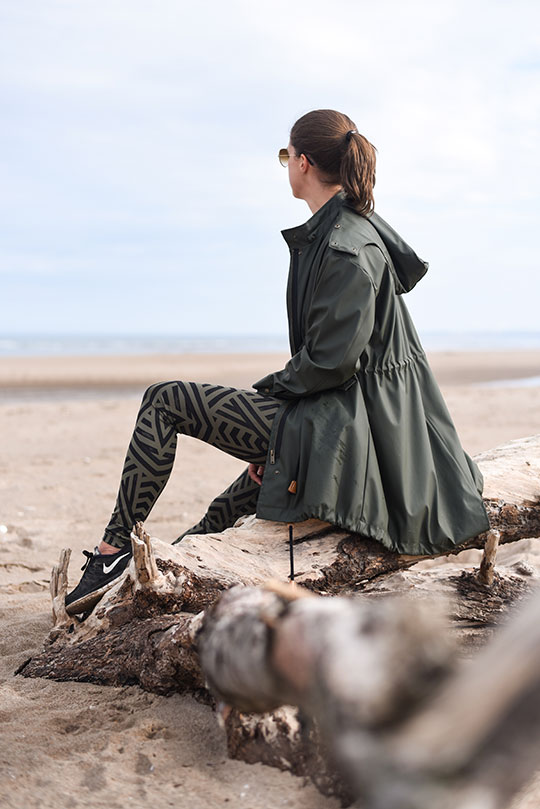 Lululemon-leggings,-Sweaty-Betty-tank-&-Zara-raincoat,-Tentsmuir-beach---Thankfifi-Scottish-travel-blog-2