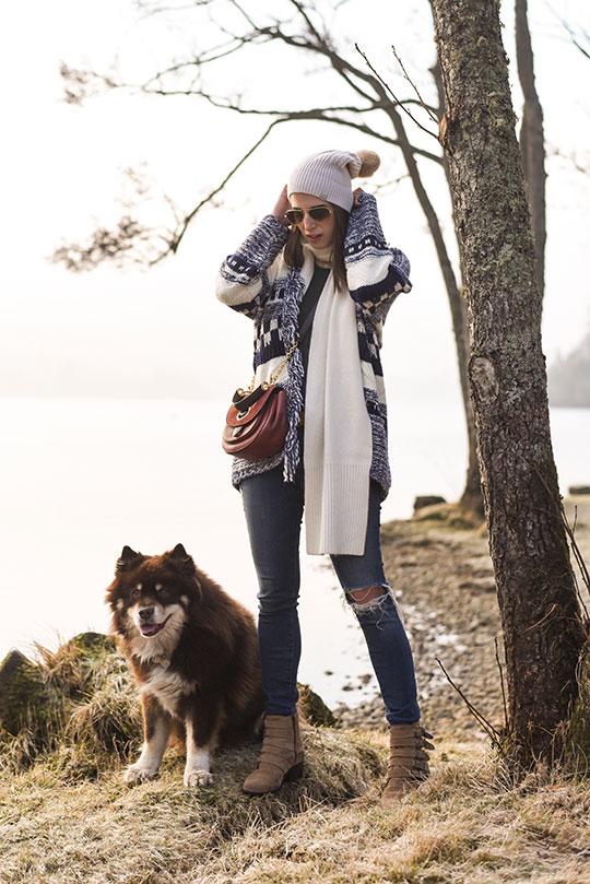 Tu-fringe-scandi-knit-cardigan,-Loch-Tay-Kenmore---Thankfifi-Scottish-fashion-blog-1
