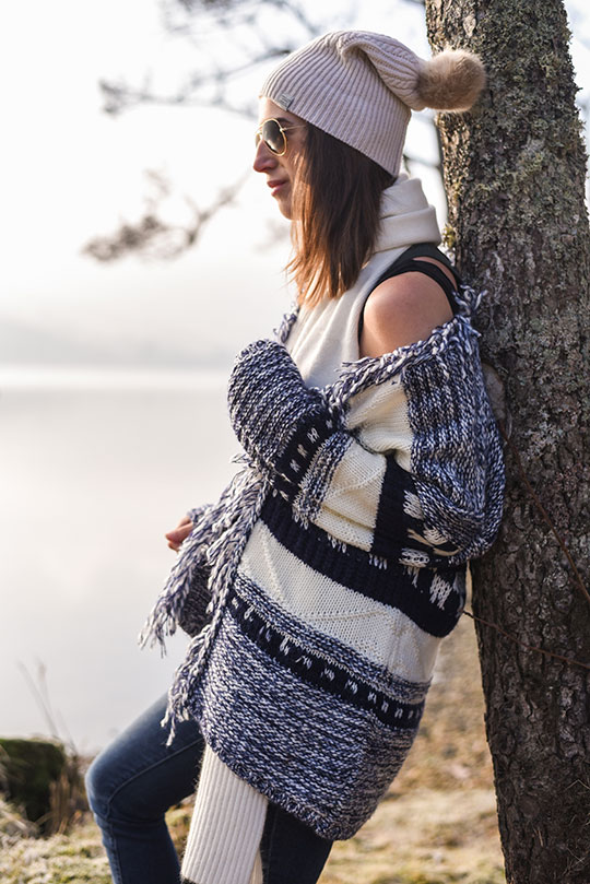 Tu-fringe-scandi-knit-cardigan,-Loch-Tay-Kenmore---Thankfifi-Scottish-fashion-blog-11
