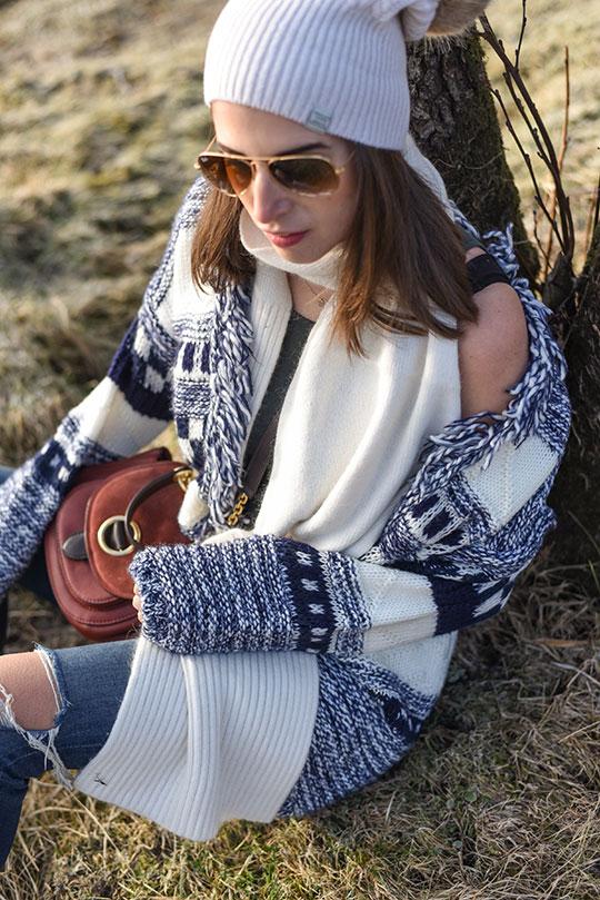 Tu-fringe-scandi-knit-cardigan,-Loch-Tay-Kenmore---Thankfifi-Scottish-fashion-blog-5